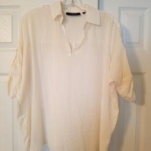 e352d3edb851e Saks Fifth Avenue Tops - SAKS 5AVE THREADS white shirt medium EUC